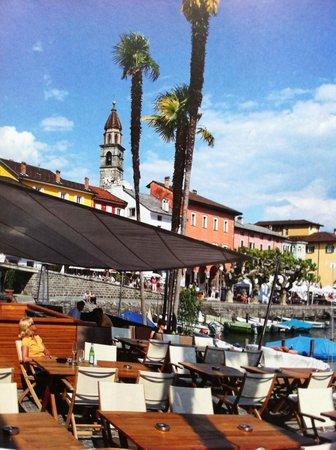 Hotel Schiff-Battello Ascona : Cocktails on the Promeande