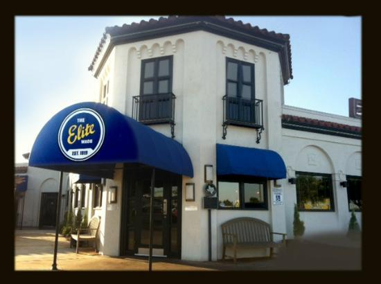 Elite Circle Grille: The famous Elite Grille just off I-35 at exit 333A