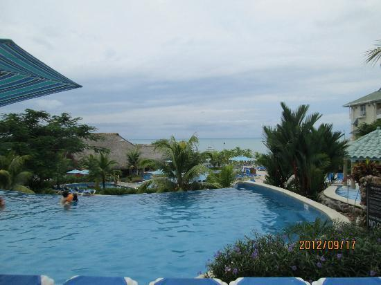 Sheraton Bijao Beach Resort: swimming pool