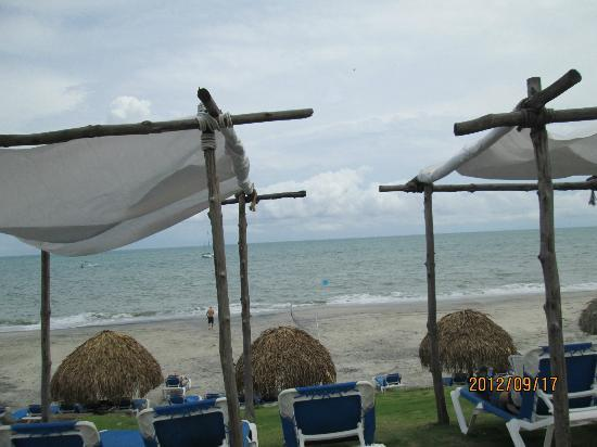 Sheraton Bijao Beach Resort: white tents