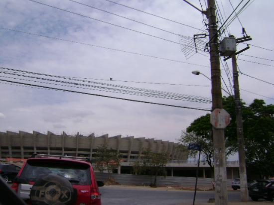 Estadio Governador Magalhaes Pinto: Vista de uma das ruas de acesso