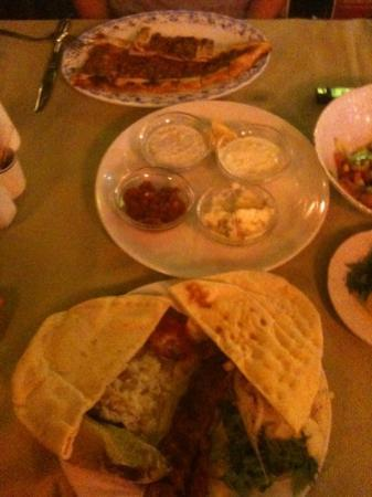 Kasim Restaurant: pide ve ücretsiz sunulan mezeler