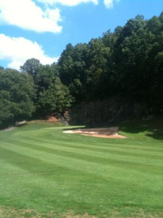 Red Tail Mountain Golf Club: Signature hole, great backdrop.