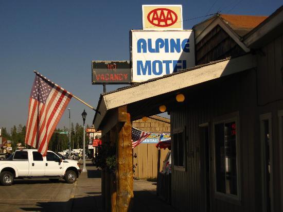 Alpine Motel: ingresso alla reception