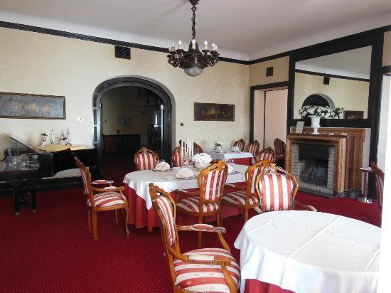 Hotel Villa Ariston: Indoor Dining Area