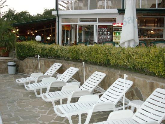 Kini Park Hotel: sunbeds