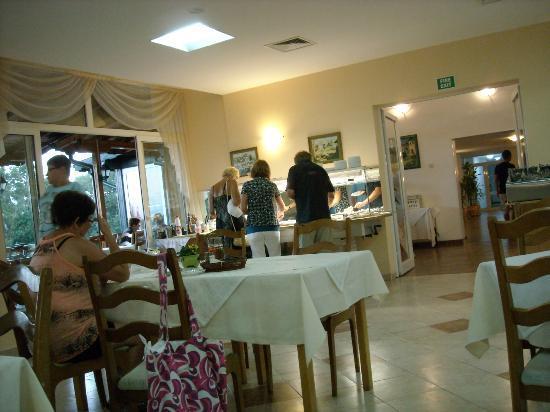 Kini Park Hotel: dinner