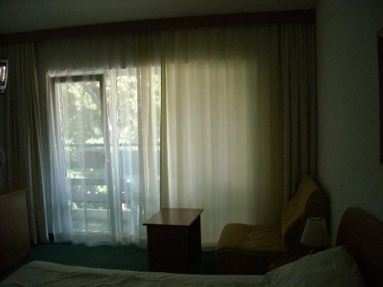 Kini Park Hotel: room