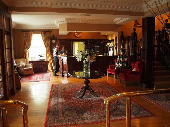 Ballygarry House Hotel & Spa: Lobby