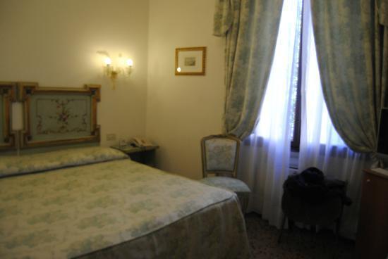 Hotel Giorgione: Il letto
