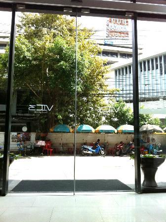 Vic3 Bangkok: Lobby