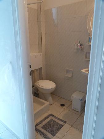 Spiros: Bathroom