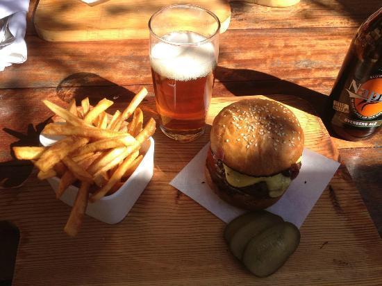 Stormsvlei Farm Stall & Restaurant : Springbok Burger and Overberg Ale