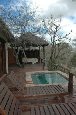 Simbambili Game Lodge: Private Deck off bedroom