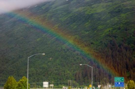 Girdwood Guest House: Rainbow over Girdwood