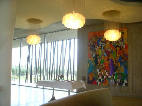 Entre Cielos: Hotel lobby/restaurant.