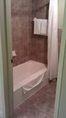 Hotel Le Voyageur: salle de bain