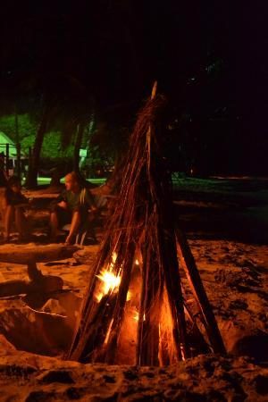 Grace's Place: Dinner and bonfire at the beach