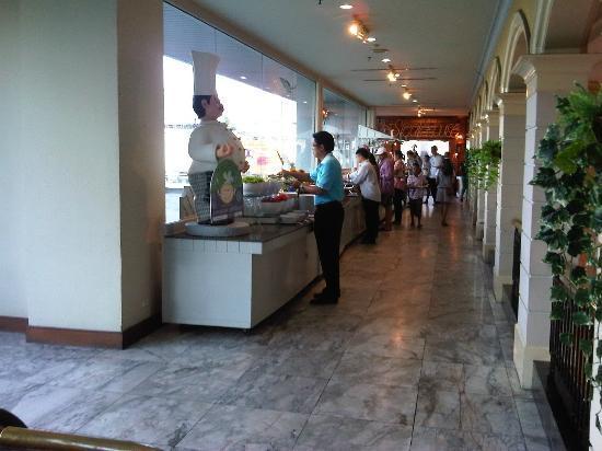 Metropole Hotel Phuket: Breakfast