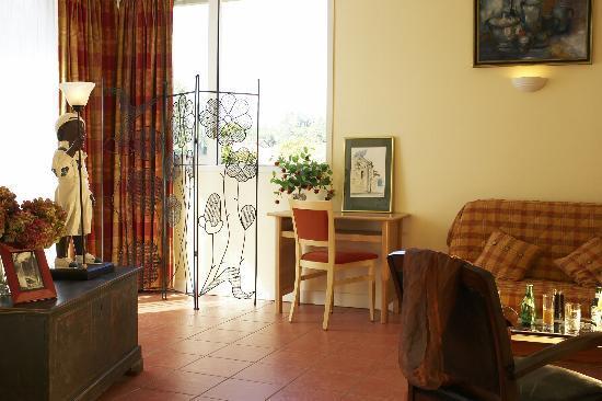 Hotel Continental : La Chambre en Suite, Côté Salon.