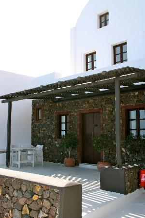 Aenaon Villas: outside of our villa 'Kallisti'