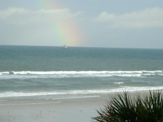 ‪‪Days Inn Daytona Oceanfront‬: The rainbow view from room 3rd floor