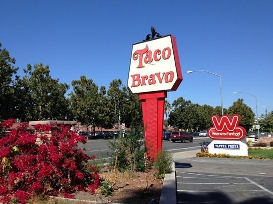 Taco Bravo: front