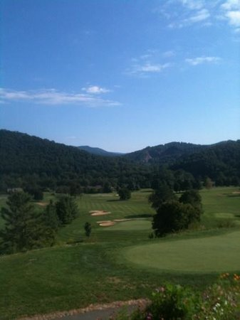 ‪Mountain Glen Golf Club‬