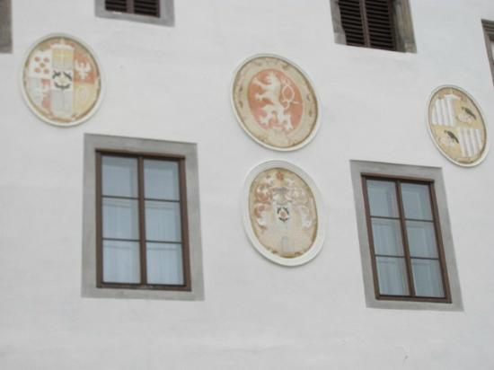 Town Hall: detail