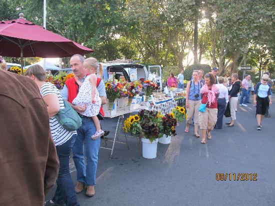 BEST WESTERN Sonoma Valley Inn & Krug Event Center: SONOMA FARMERS MARKET