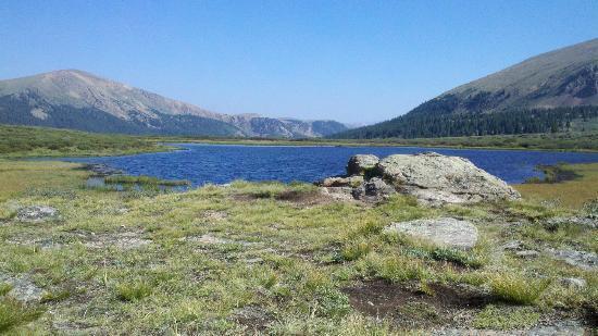 Arapaho National Forest: Lake Near Summit