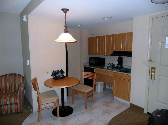 Homewood Suites by Hilton Hartford South-Glastonbury: Our room (one bedroom king suite)