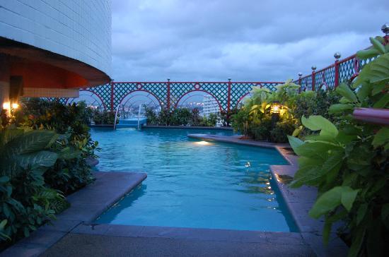 Grand China Hotel: Pool