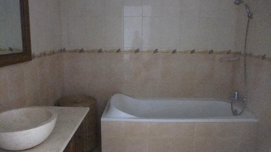 Villa Jepun : grande salle de bain