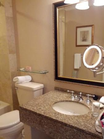 ذا لانجهام بوسطن: Largest hotel towels yet! 