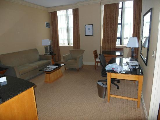 ‪‪Hilton Boston Downtown / Faneuil Hall‬: One bedroom suite‬