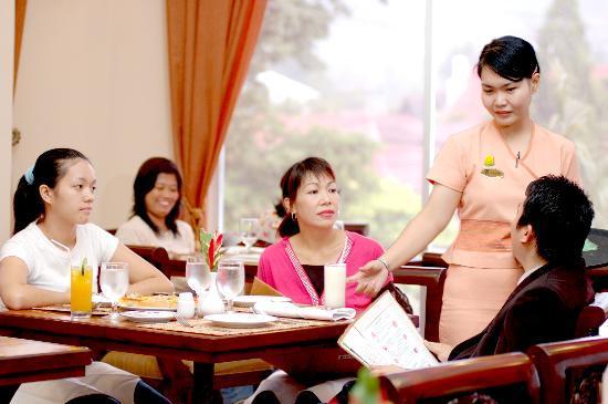 Restaurant Quality Hotel Gorontalo