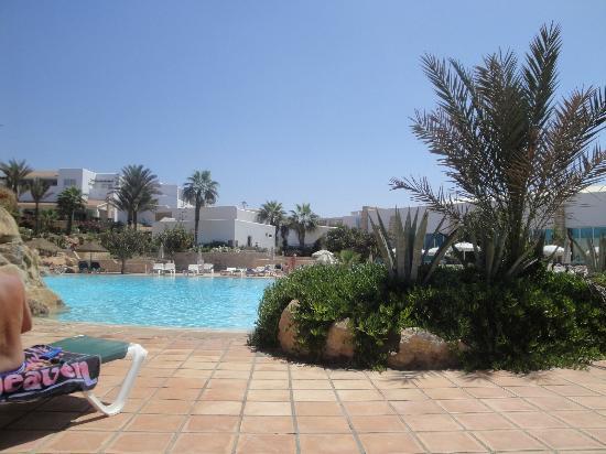 Salt water swimming pool photo de hotel riu tikida dunas - Hotels with saltwater swimming pools ...