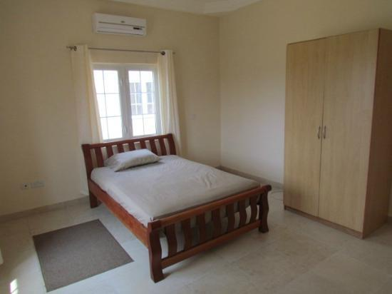 Bedua Home Suites: Room with Double Bed