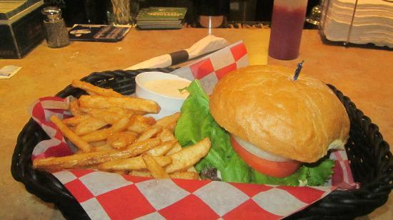 Spurs Bar & Grill: Burger and Fries