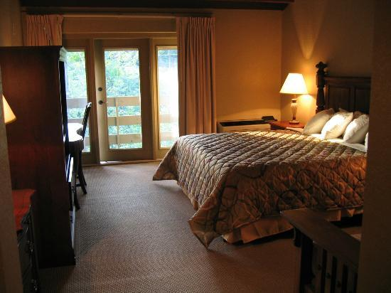 Fontana Village Resort: Inside my room