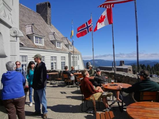 Timberline Lodge: Outdoor deck