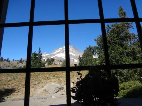 ‪‪Timberline Lodge‬: Mt. Hood from picture window‬