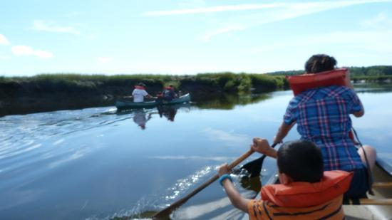 Scarborough Marsh Audubon Center : trying to catch up to the other boat