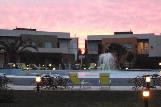 Alto Miramar Resort & Spa: Vista desde el Salon principal,la pileta y las unidades.