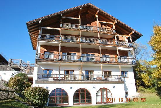 Appartement  Hotel Seespitz: Hotelansicht von der Seeseite