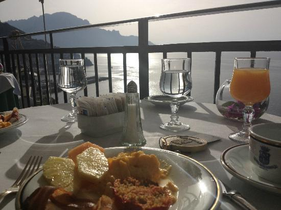 Santa Caterina Hotel: Breakfast at the hotel