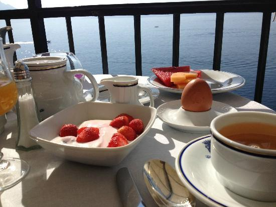 Santa Caterina Hotel: Breakfast at the hotel. Gorgeous.