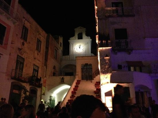 ‪سانتا كاترينا: Evening out for drinks in Atrani