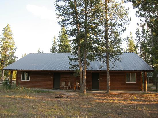 Headwaters Lodge & Cabins at Flagg Ranch: outside our cabin